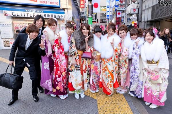 Kimono-Coming-of-Age-Day-2012-G8920-600x400