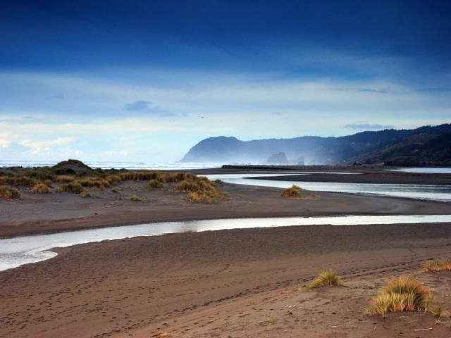 river-in-desert-land1